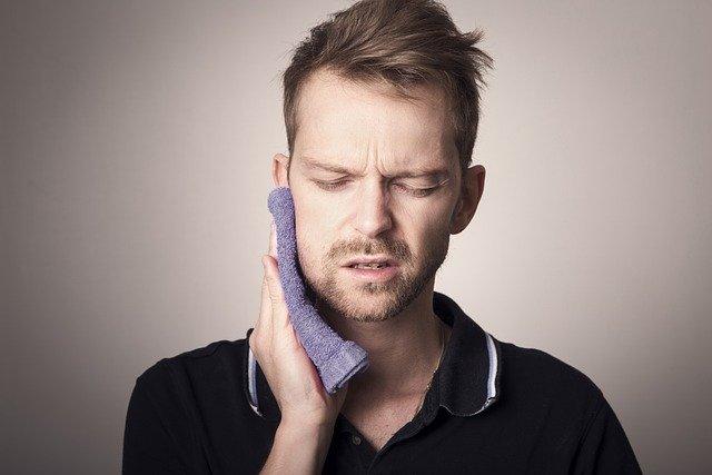 Modrostni zobje so lahko vzrok glavobola