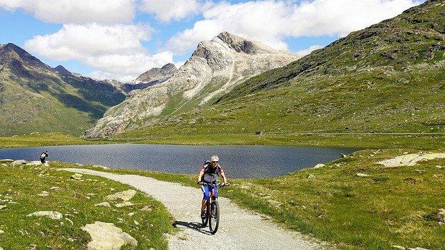 Električna gorska kolesa za lažje premagovanje ovir