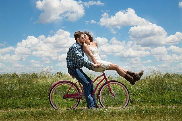 Ali si električno kolo lahko tudi izposodite?